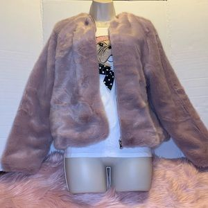 ✨✨ New York and Company Lilac Faux Fur Coat✨✨
